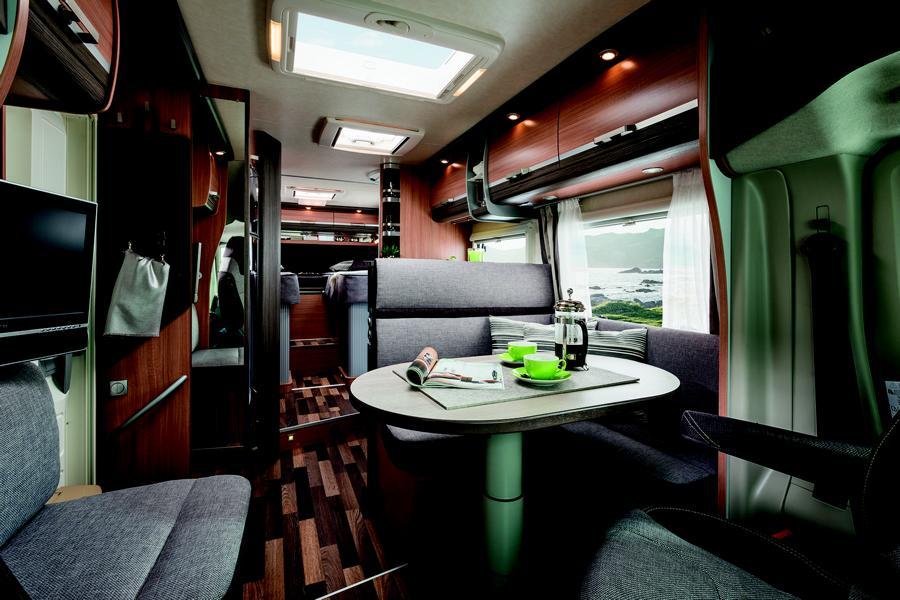 luxus wohnmobile innenausstattung. Black Bedroom Furniture Sets. Home Design Ideas